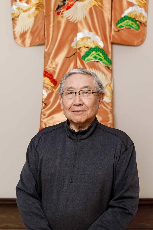 Advertising alumnus Bob Matsumoto (BFA 63) in his home